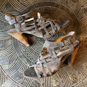 KENNETH COLE REACTION Strappy Taupe Heels 6.5
